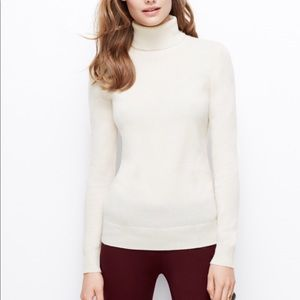 *Coming soon* 100% cashmere grey turtleneck